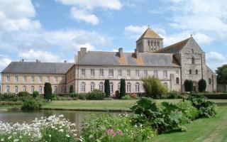abbaye-de-la-sainte-trinite-de-lessay