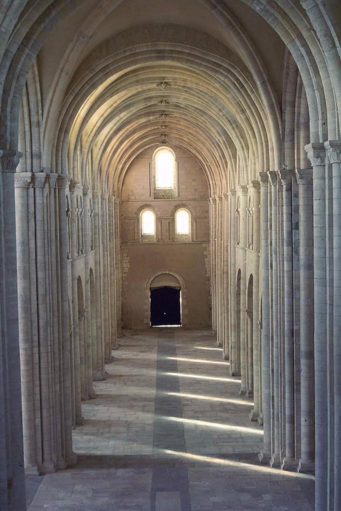 Lessay vue interieure abbaye
