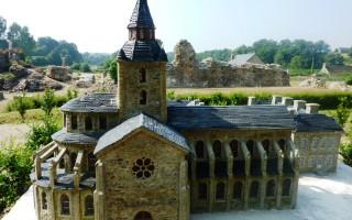 abbaye-de-savigny-le-vieux