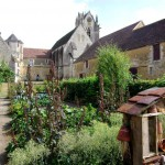 prieuré vu du jardin