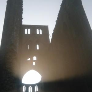 Mystère à l'abbaye, pièce de théâtre participative